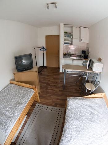 2 zimmer wohnung mit dachterrasse in hildesheim. Black Bedroom Furniture Sets. Home Design Ideas
