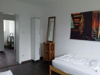 A Temporary Room Bild 5
