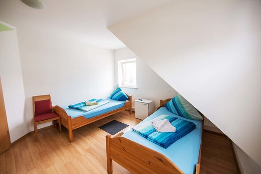 SIMPLE ROOMS, Krefeld Uerdingen, top gepflegt, positive Resonancen