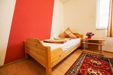 SIMPLE ROOMS, Krefeld Uerdingen, top gepflegt, positive Resonancen Bild 3